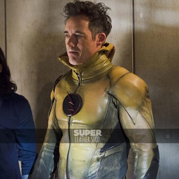 The-flash-season-2-reverse-flash-yellow-jacket