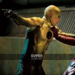 The-flash-season-2-reverse-flash-yellow-jackets