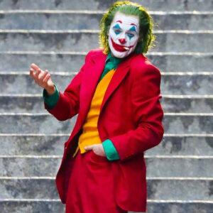Joaquin Phoenix joker coat